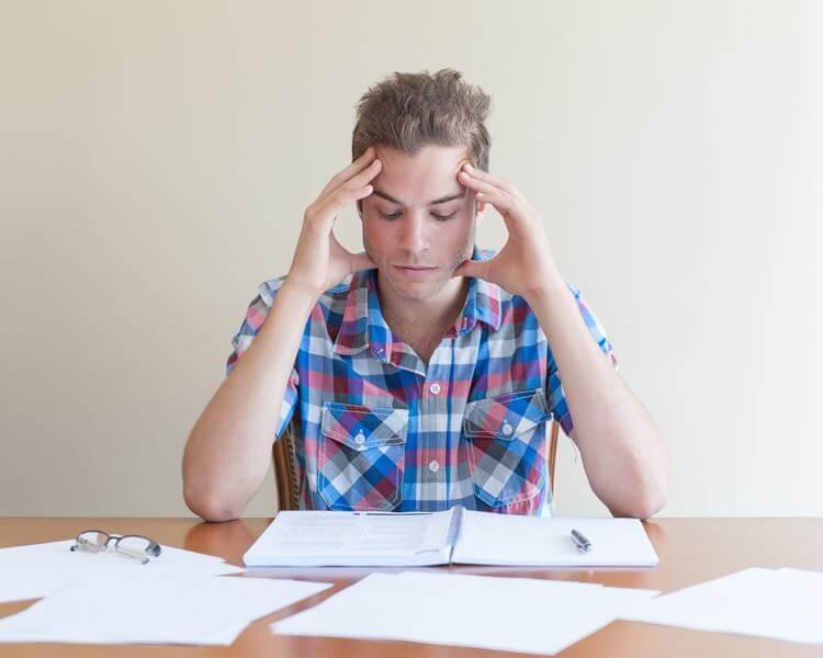Maux de tête et migraines liés aux troubles de la mâchoire